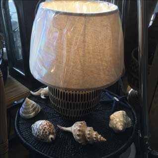 table-lamp-with-shells